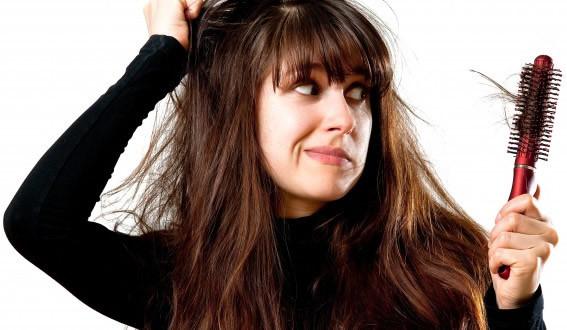 Tóc khô xơ hạy gãy rụng nên dùng loại nào?