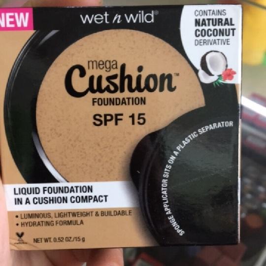 Phấn nước Wet n Wild Mega Cushion